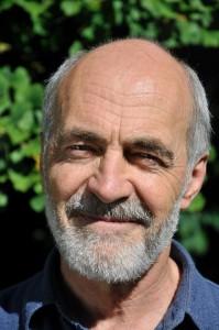 Porträt-Foto Dr Lutz Fähser